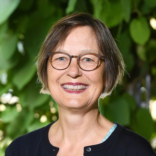 Porträt Dr. Cornelia Lange